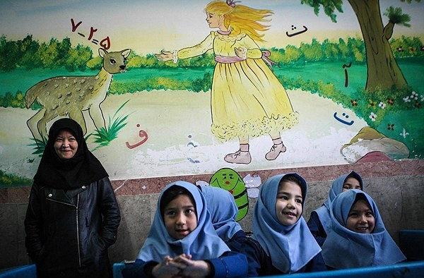 اگر اتباع باسواد نشوند، افغانستان همسایه خطرناکی میشود!
