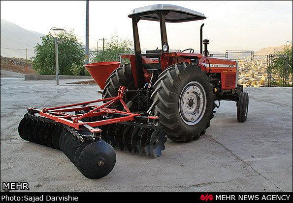 پلاک گذاری ۹۶ درصد از ماشین آلات فعال بخش کشاورزی شهرستان لردگان و خانمیرزا