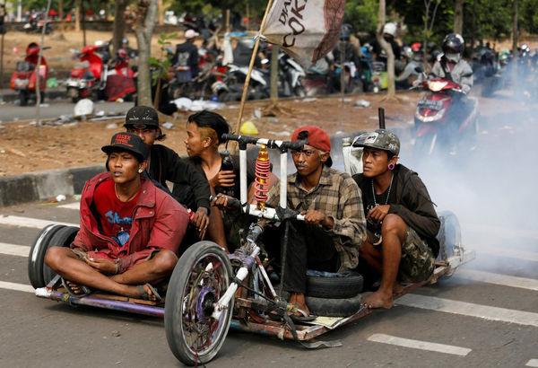 مسابقه ماشینهای دستساز در اندونزی