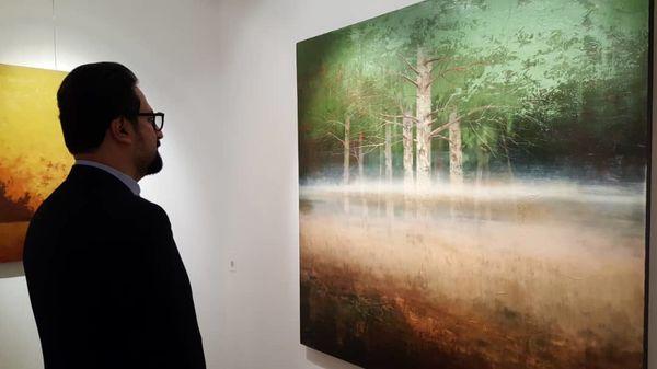 بازدید معاون هنری از نمایشگاه نقاشی خلوت ازدار