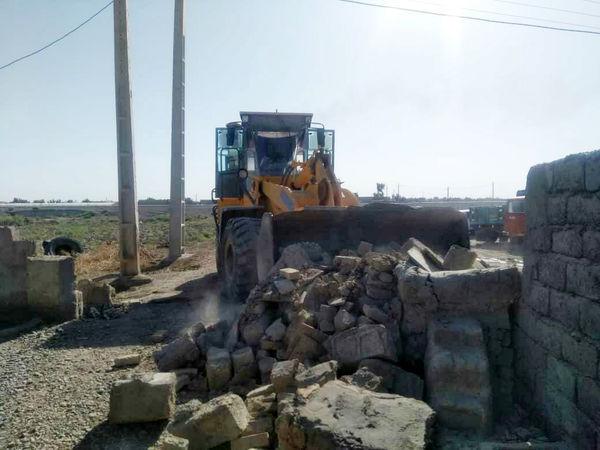 بناهای غیرمجاز در اراضی کشاورزی سیستان تخریب شد