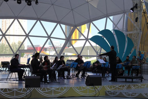 ارکستر سازهای ملی در قزاقستان اجرا کرد