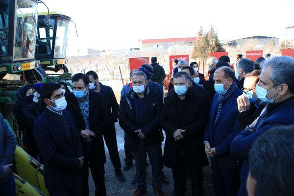وزیر جهاد کشاورزی از کشت قراردادی پنبه کارخانه اترک در مانه و سملقان بازدید کرد