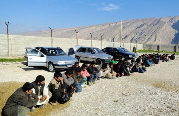 بازداشت 21 نفر به جرم قاچاق انسان