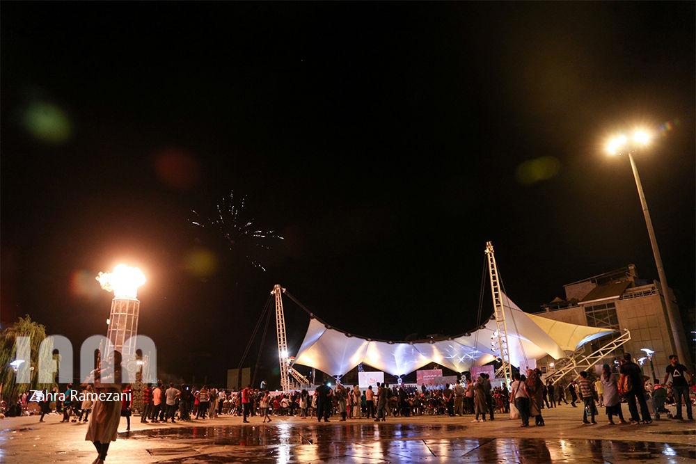 آبنمای موزیکال در شب عید غدیر