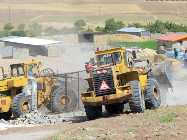 92 بنای غیرمجاز در اراضی کشاورزی استان قزوین تخریب شد