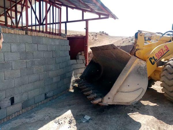 ۴ مورد ساخت و ساز غیر مجاز در آبیک تخریب شد