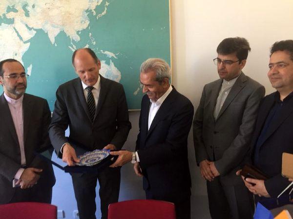 فرانسه و آلمان به دنبال راهحل عملی برای کار با ایران