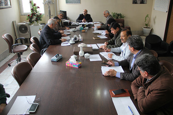 برگزاری جلسه بررسی پیشرفت فیزیکی طرحهای سیستمهای نوین آبیاری