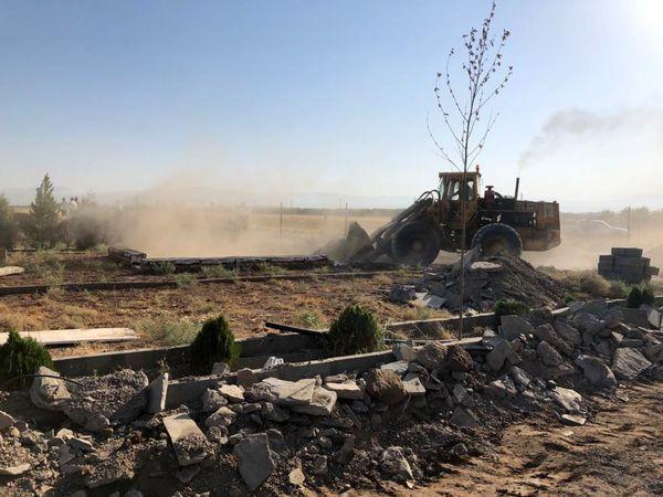 تخریب ۲ مورد ساخت و ساز غیر مجاز در اراضی کشاورزی قزوین