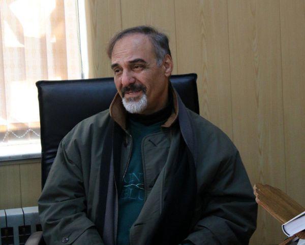 قطب الدین صادقی دبیر پانزدهمین جشنواره تئاتر کوردی سقز شد