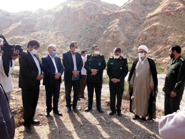 بازدید سردار حزنی دبیر قرارگاه محرومیت زدایی سپاه پاسداران از قنات امیر آباد مهران