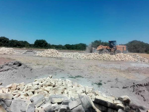 8 بنای غیر مجاز در اراضی کشاورزی شهرستان تاکستان تخریب شد