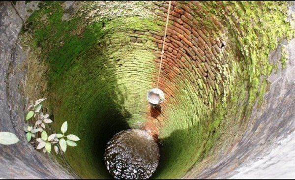 استخراج آبهای ژرف منابع ملی را هدر میدهد