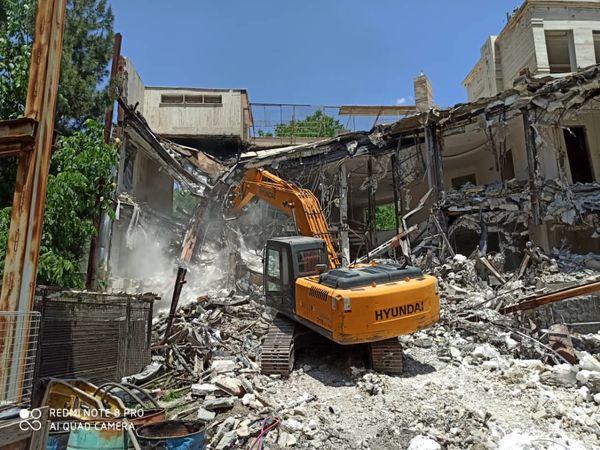 تخریب دو ویلای غیرمجاز در زمینهای کشاورزی شهرستان شمیرانات