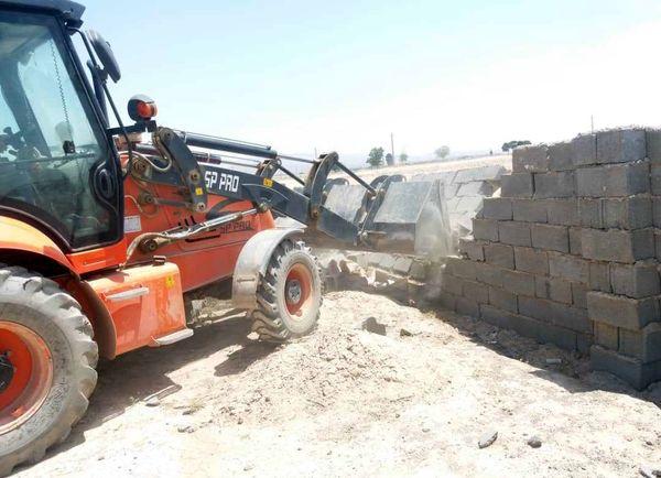 تخریب ۱۰ مورد ساخت وساز غیرمجاز در پاکدشت