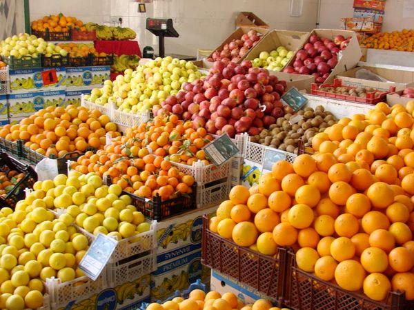 تقویت تشکل های بخش کشاورزی اصلی ترین راهکار کنترل بازار میوه است