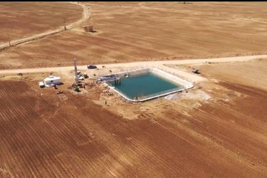 نمایی از پروژه سامانه آبیاری نوین بارانی ۱۲۷ هکتاری در شهر شلمزار/ فیلم
