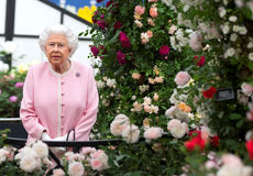 حضور ملکه الیزابت در نمایشگاه گل چلسی لندن