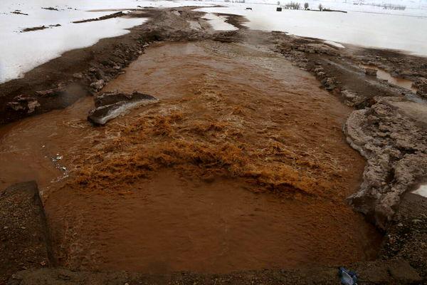 سیلاب، زمینهای کشاورزی کوهرنگ را تخریب کرد
