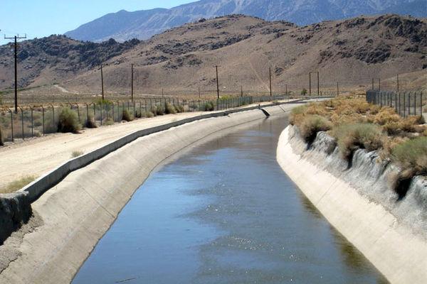 اجرای طرح پوشش کانال آبرسانی در مرودشت