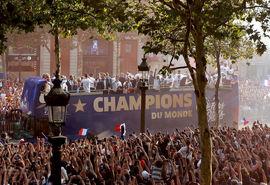 استقبال فرانسویها از تیم ملی کشورشان