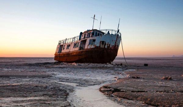 عیسی کلانتری: پولهای سرگردان در دنیا را جذب احیای دریاچه ارومیه کنیم