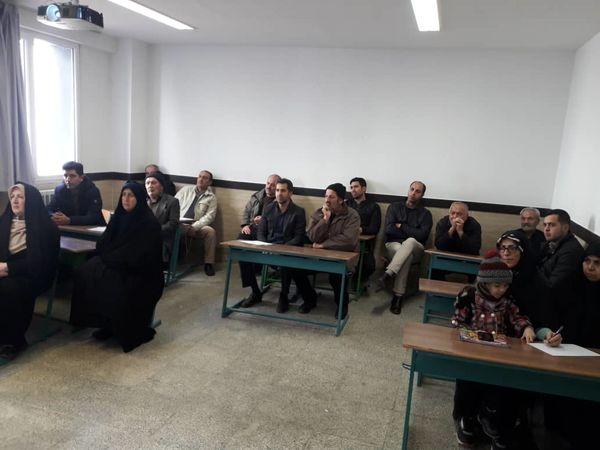 برگزاری کارگاه آموزشی پرورش کرم ابریشم در شهرستان تهران