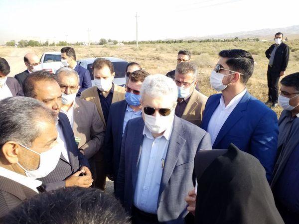 کلنگ احداث مرکز تولید نهال اصلاح شده در آبیک به زمین زده شد