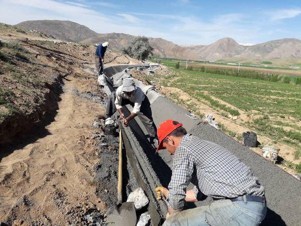 آغاز عملیات پوشش نهر چهارچشمه سورشجان