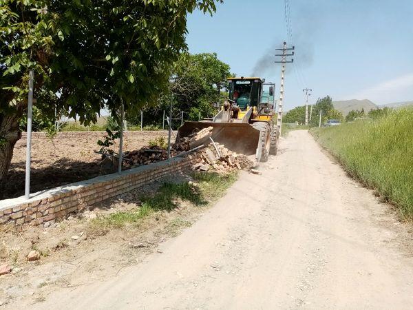 5 بنای غیر مجاز در اراضی کشاورزی شهرستان آبیک تخریب شد