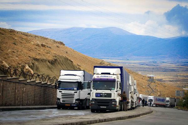 عبور روزانه500تریلر از مرزهای ایران