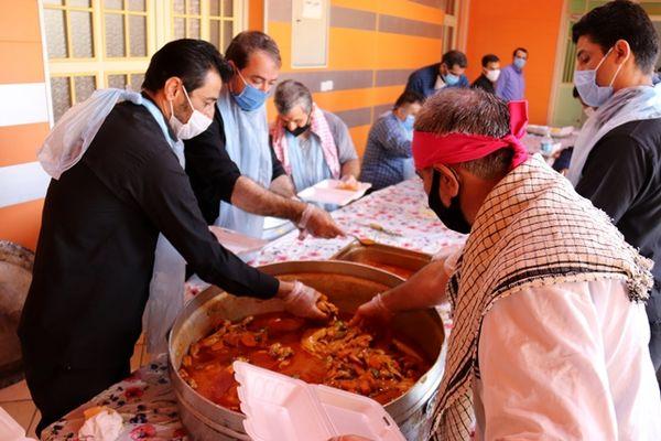 توزیع سههزار پرس غذای گرم و 350 بسته معیشتی و لوازم التحریر میان نیازمندان