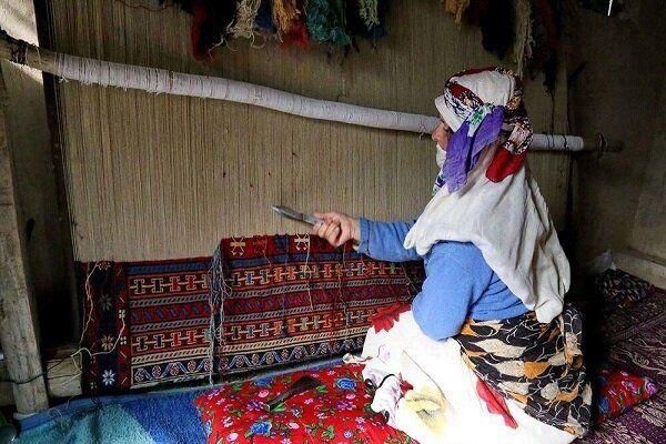 ورود زنان عشایری به بازارهای مجازی برای فروش صنایع دستی