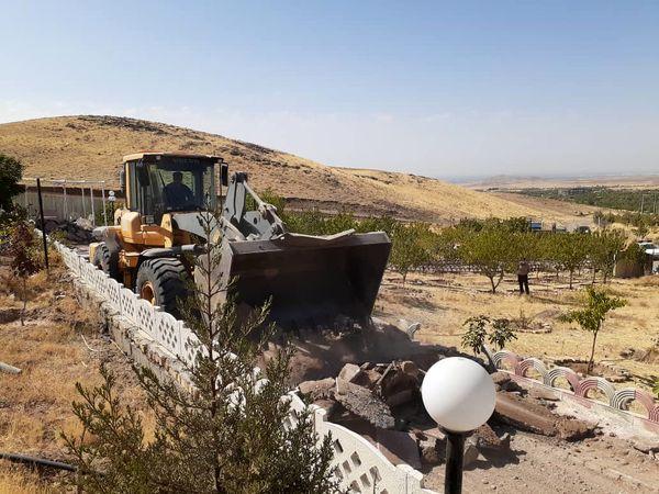 تخریب هفت بنای  غیر مجاز  در اراضی کشاورزی  شهرستان قزوین