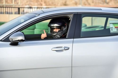 زن سعودی در مسابقات رانندگی