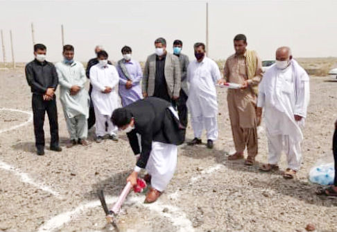 کلنگ کارخانههای فراوری گیاهان دارویی در سیستان و بلوچستان به زمین زده شد