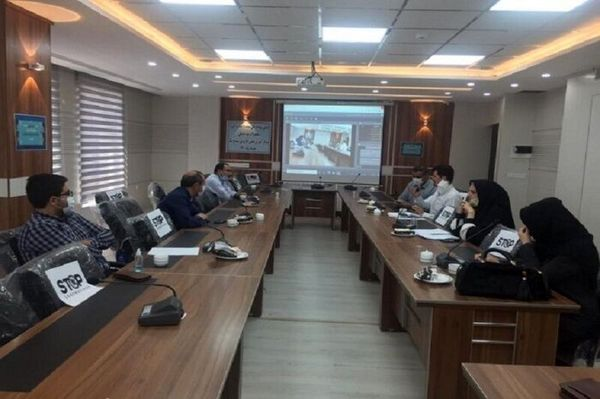 اولین رویداد ملی شتاب توت فرنگی در سنندج برگزار شد