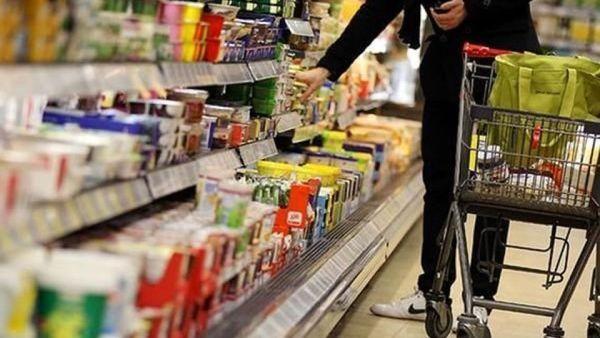 افزایش 0.7 درصدی قیمت کالاها و خدمات مصرفی در ماه گذشته/ قیمت محصولات خوراکی 13 درصد رشد داشت