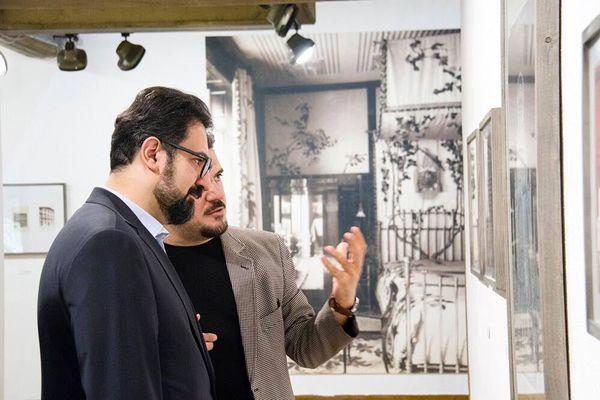 معاون امور هنری ارشاد از نمایشگاه آثار واگنر – معمار اتریشی – دیدن کرد