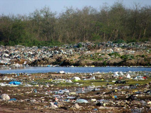 بحران آلودگی آب با سوزاندن زبالهها در شمال
