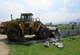 تخریب 55 دیوارکشی غیرمجاز در عباس آباد