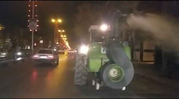 ضدعفونی شهرستان مرودشت توسط تراکتورداران
