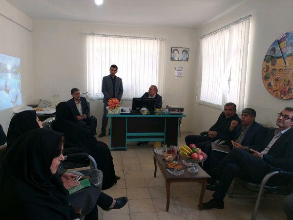 رئیس سازمان جهاد کشاورزی لرستان از مرکز جهاد کشاورزی کمالوند بازدید کرد