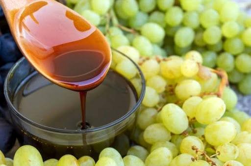 از روزهای پایانی برداشت انگور تا مراسم شیره پزی سنتی در شهرستان سامان