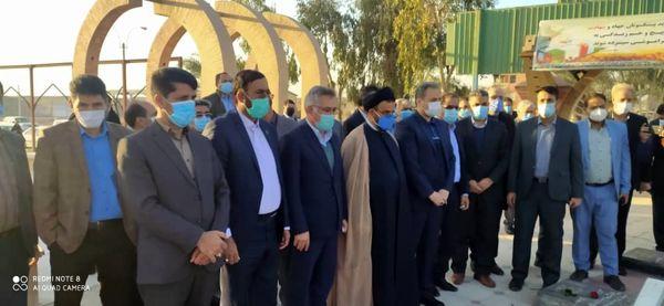 حضور وزیر جهاد کشاورزی در گلزار شهدای جیرفت