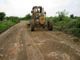 عملیات اجرایی مرمت و بهسازی جاده های بین باغات شهرستان سامان آغاز شد